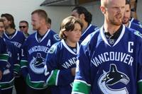 Canucks meet the north!